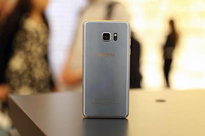 三星Note 7湖蓝色真机与配件高清图赏 设计感强图片