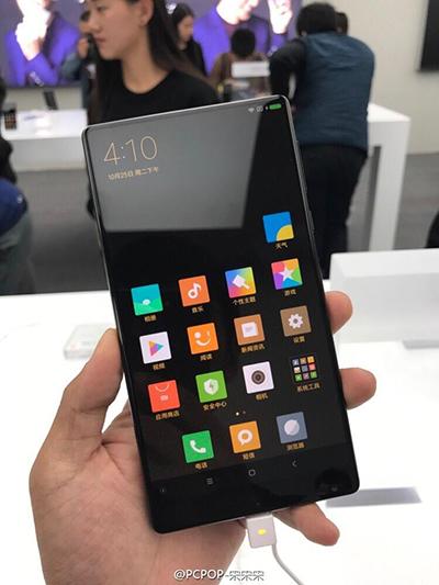 小米mix概念手机介绍:   这款小米mix手机的整体设计类似夏普图片