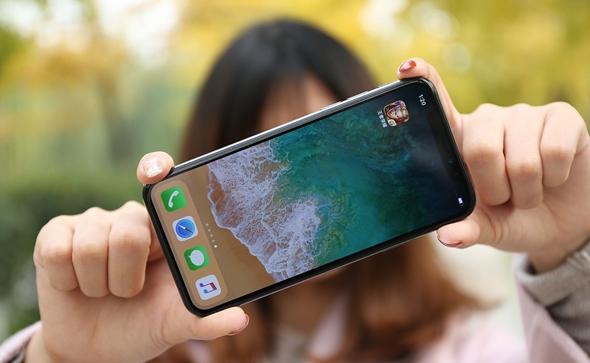 """最新""""刘海屏""""手机总汇 你喜欢那一款?"""