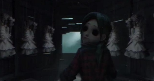 还记得第五人格失踪的小女孩吗?她一直躲在月亮河公园!