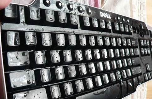 键盘进水了该怎么办? 键盘进水个别键失灵怎么修复?