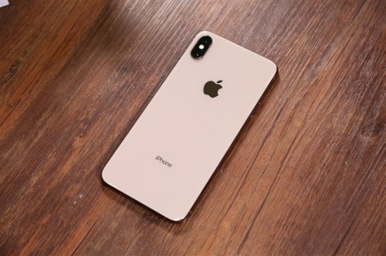 iPhone开始创新渐变色技术,苹果申请了专利